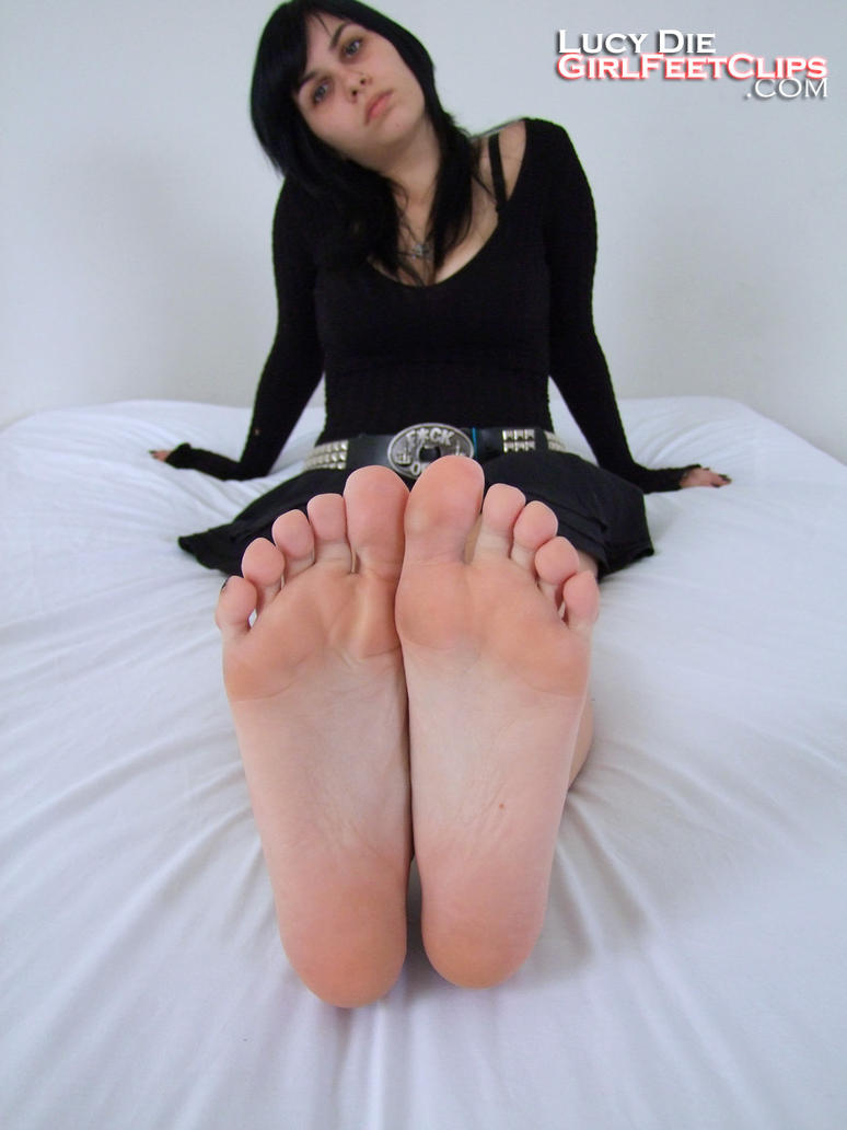 Goth girl feet
