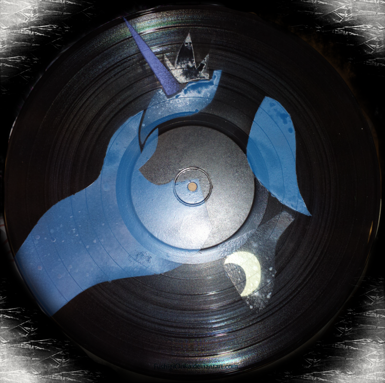 Princess Luna vinyl record painting by FushigiOoka
