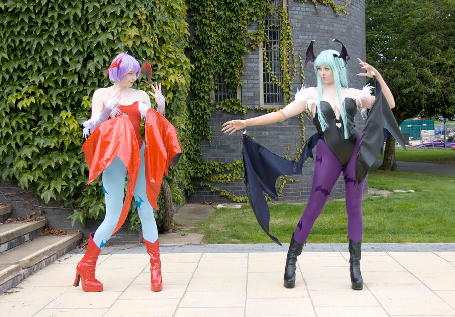 Amecon 2012 Morrigan and Lillith fight by Mangamad