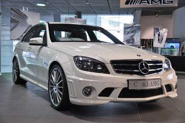 2010 Mercedes-Benz C63 AMG by StormtraXx