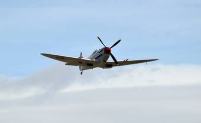 Spitfire on Approach by neon-sunrise