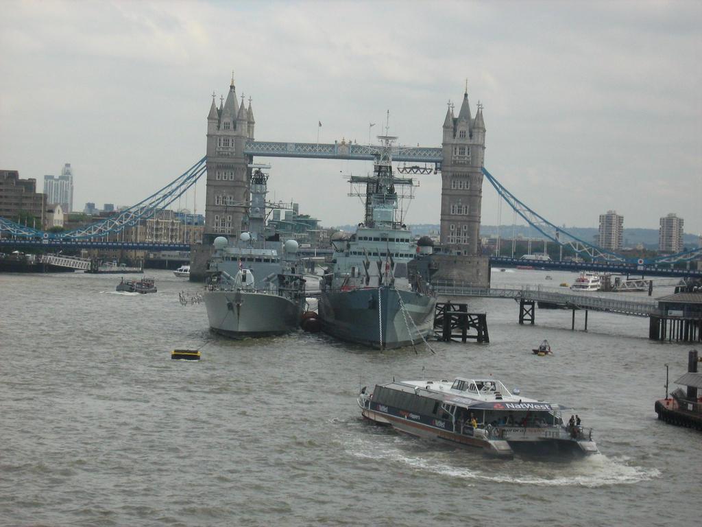 Tower Bridge + the HMS Belfast by Eszies-Eszie