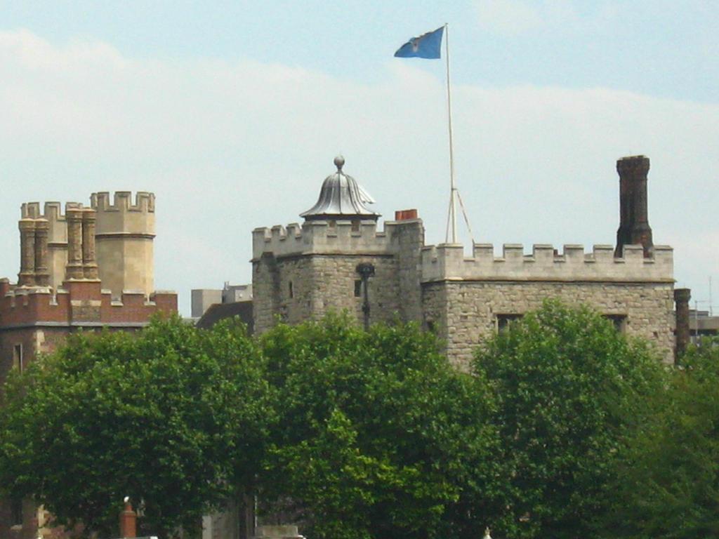 A Castle in London by Eszies-Eszie