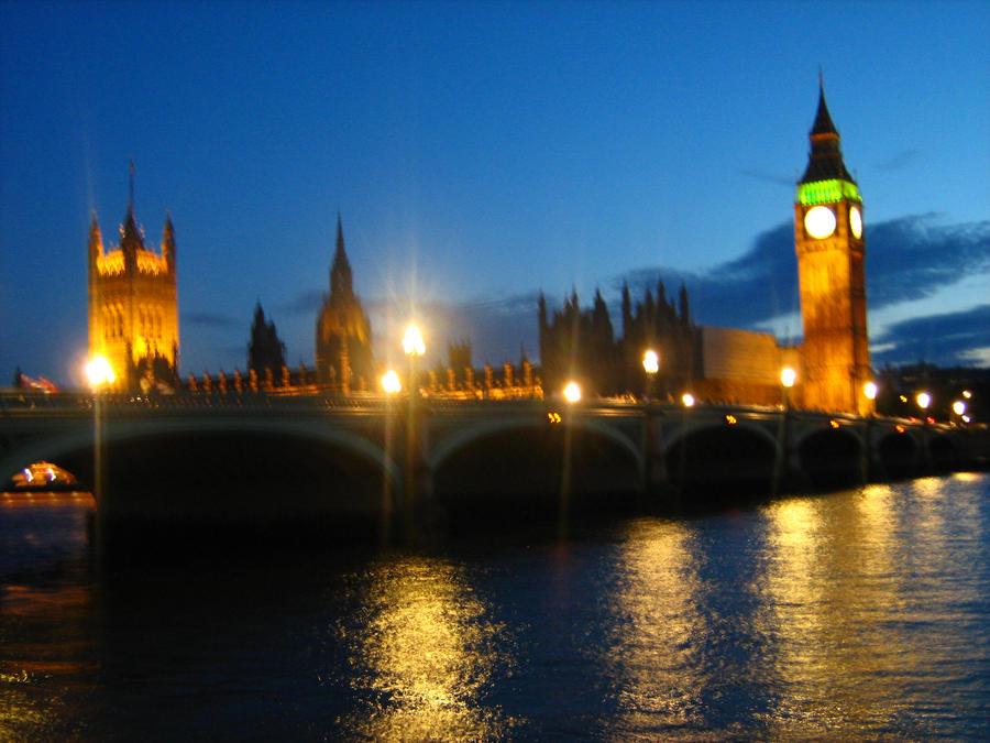 Houses of Parliament Night by Eszies-Eszie