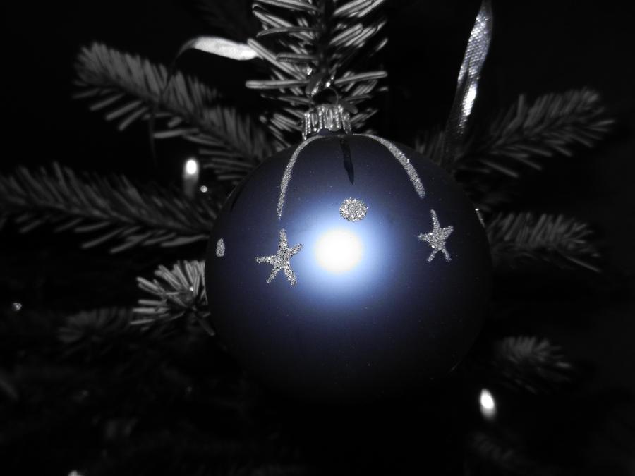 Christmas ball by Eszies-Eszie