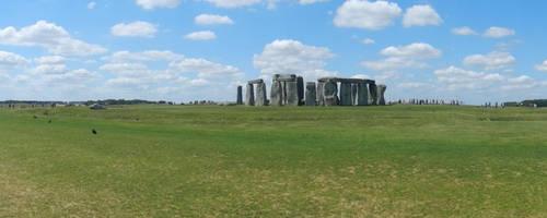 Stonehenge partly panorama