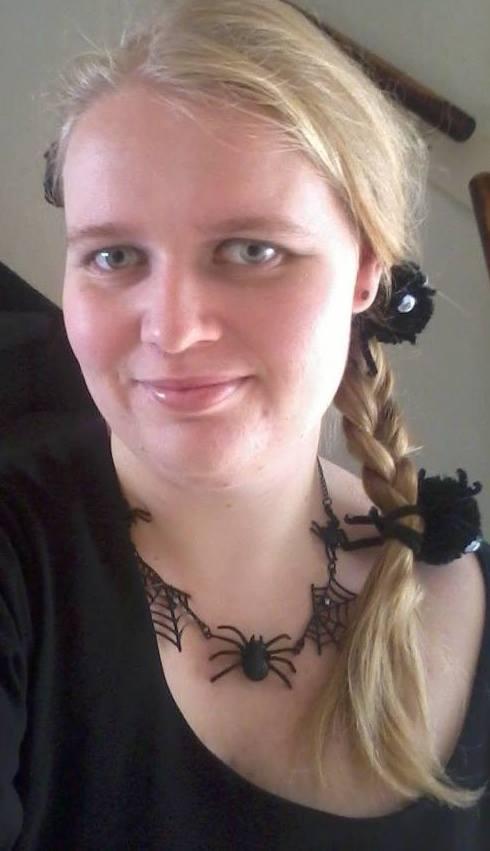 Eszies-Eszie's Profile Picture
