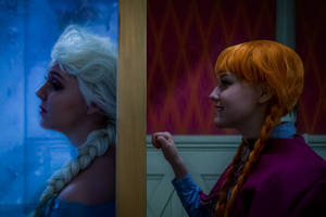 Do you wanna build a snowman - Frozen Cosplay by Mitternachto