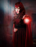 Scarlet Witch Cosplay by Mitternachto