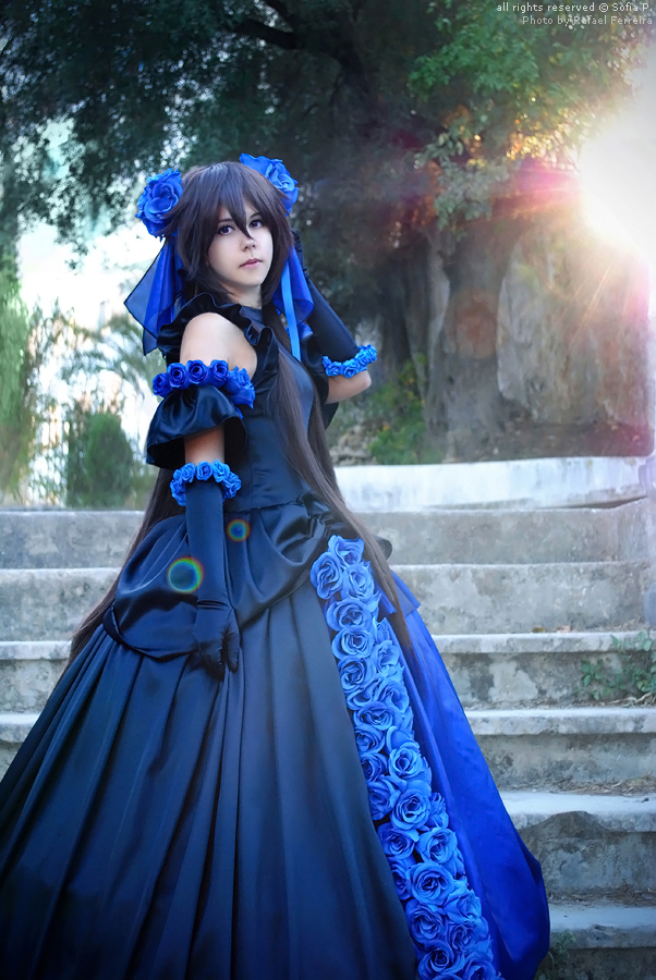 Alice Baskerville - Lost in blue by sophie-art