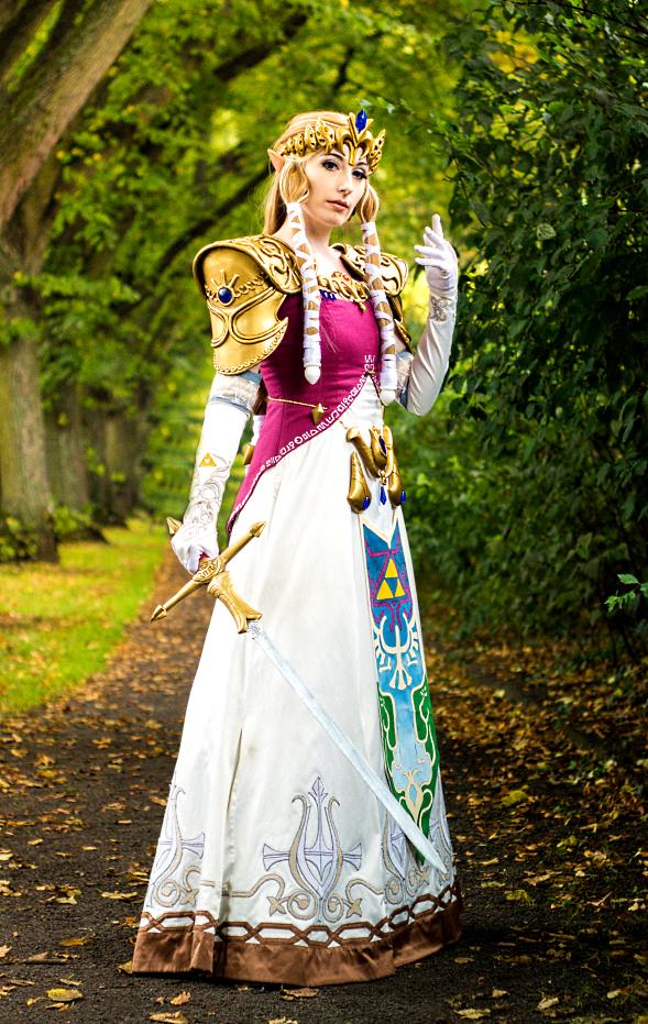 Proud Princess by DNomNettash