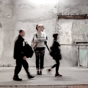 Inconnue in Paris metro