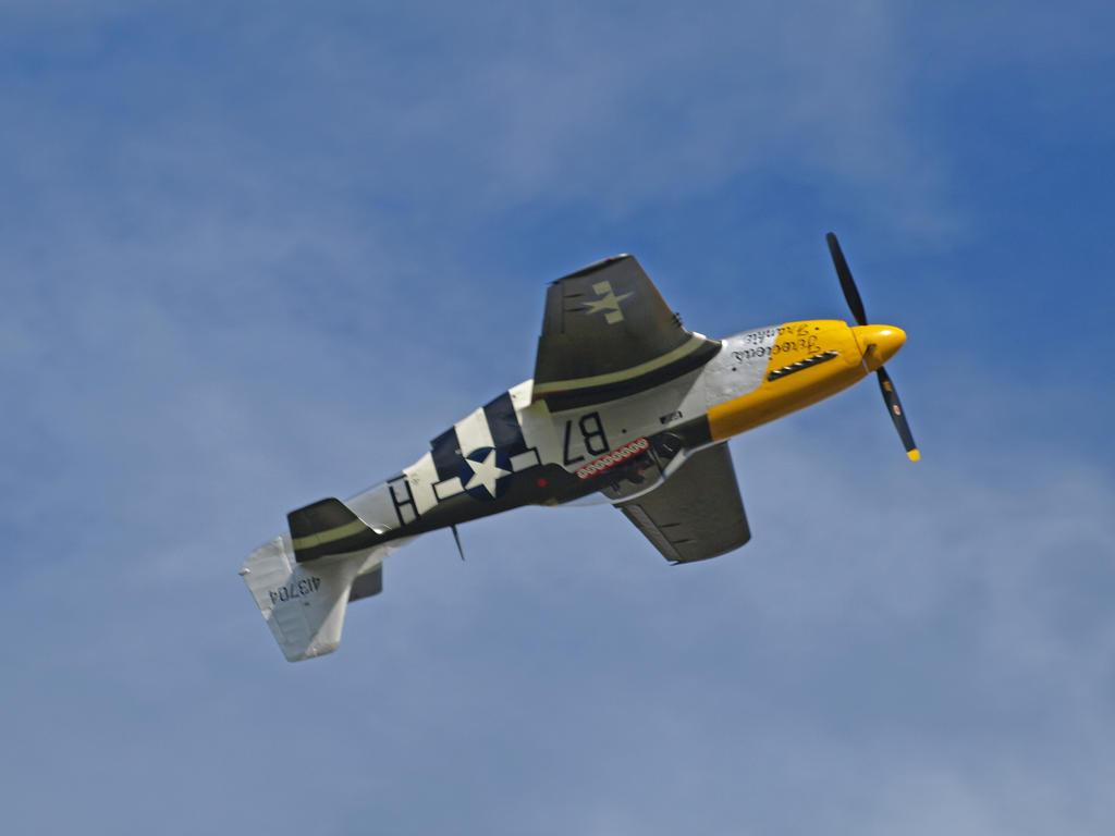 P 51 Mustang Art P51 Mustang roll by da...