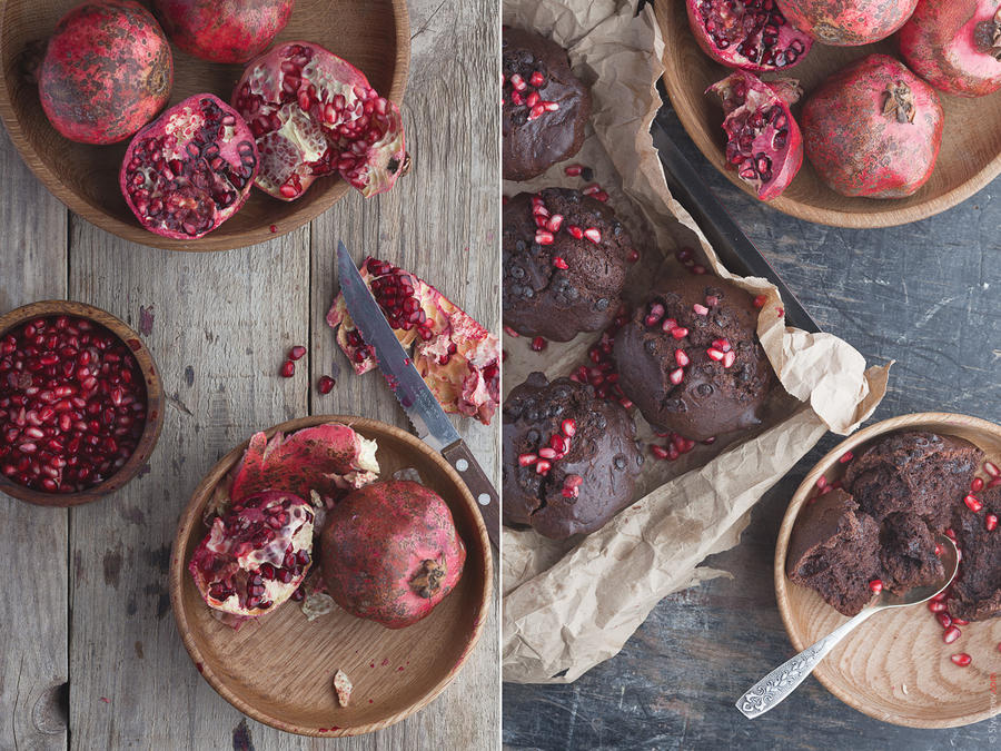 Chocolate cake with pomegranate by slyadnev