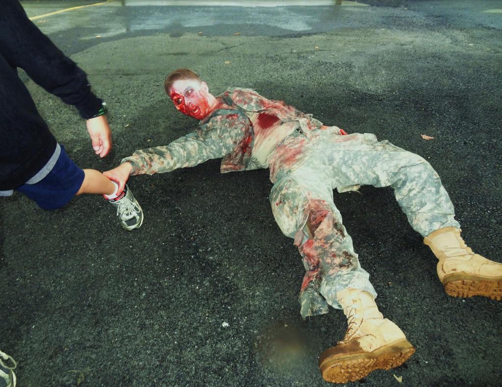 Fallen soldier battle cross wallpaper