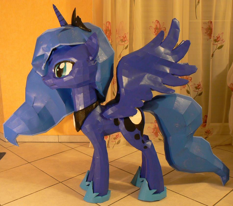 Luna, princess of the night 3 by Znegil