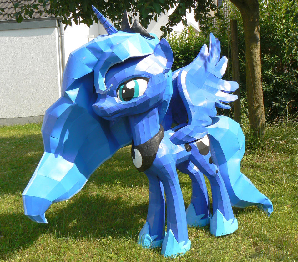 Luna papercraft in the garden 2 by Znegil