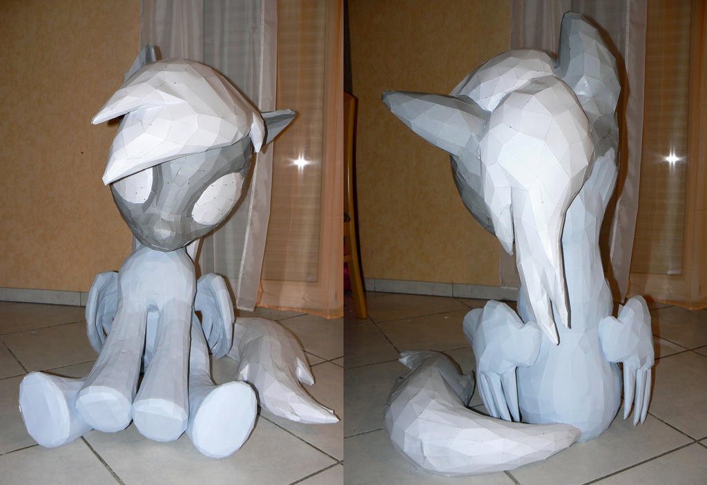Derpy papercraft - folding complete, paint is next by Znegil