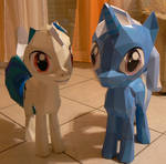 Trixie and Vinyl papercraft - progress is made