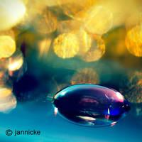 Mirror by jannickefish