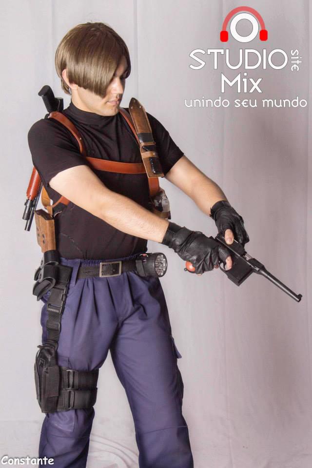 Leon Scott Kennedy Cosplay Resident Evil 4 By Erickzeros On
