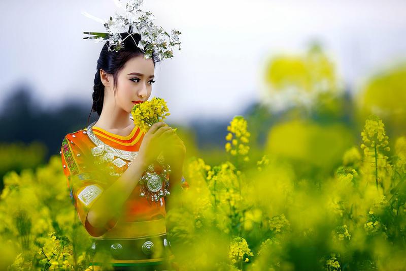 Cute Chinese Gir...E Careers