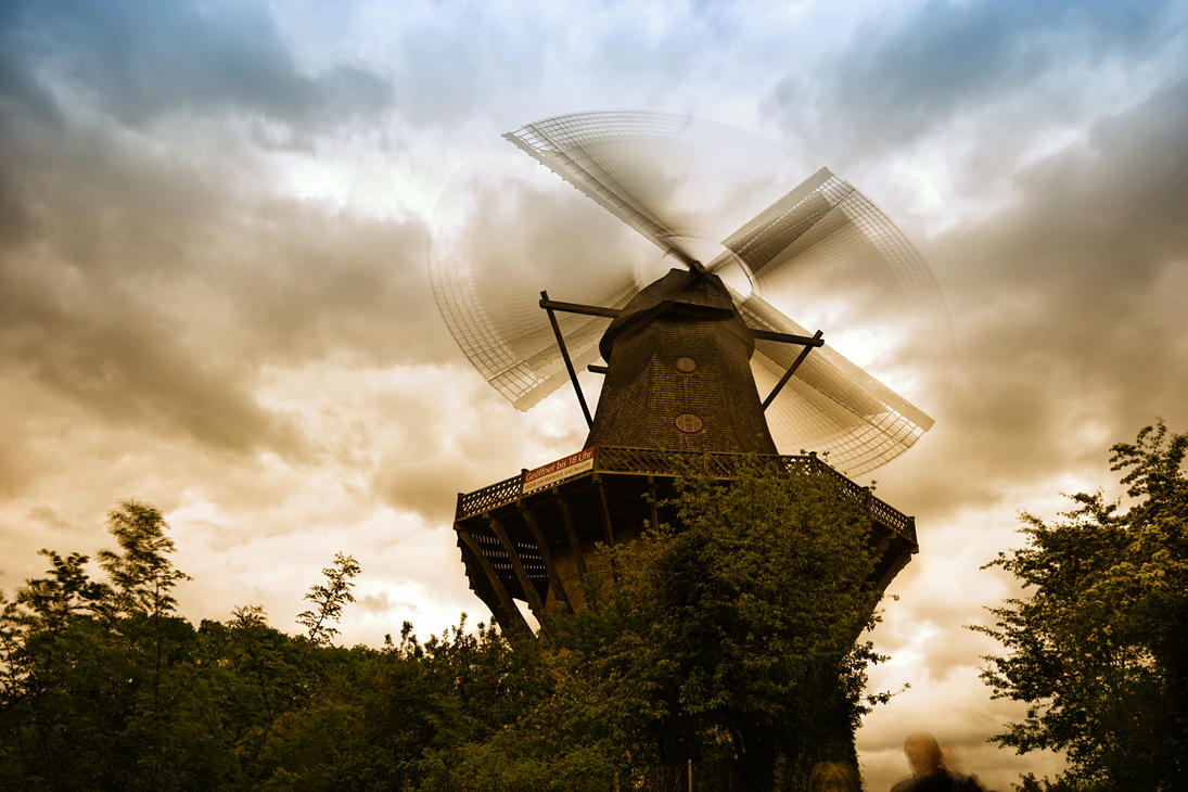 Timelapse Windmill - HD by KoraxSciurus