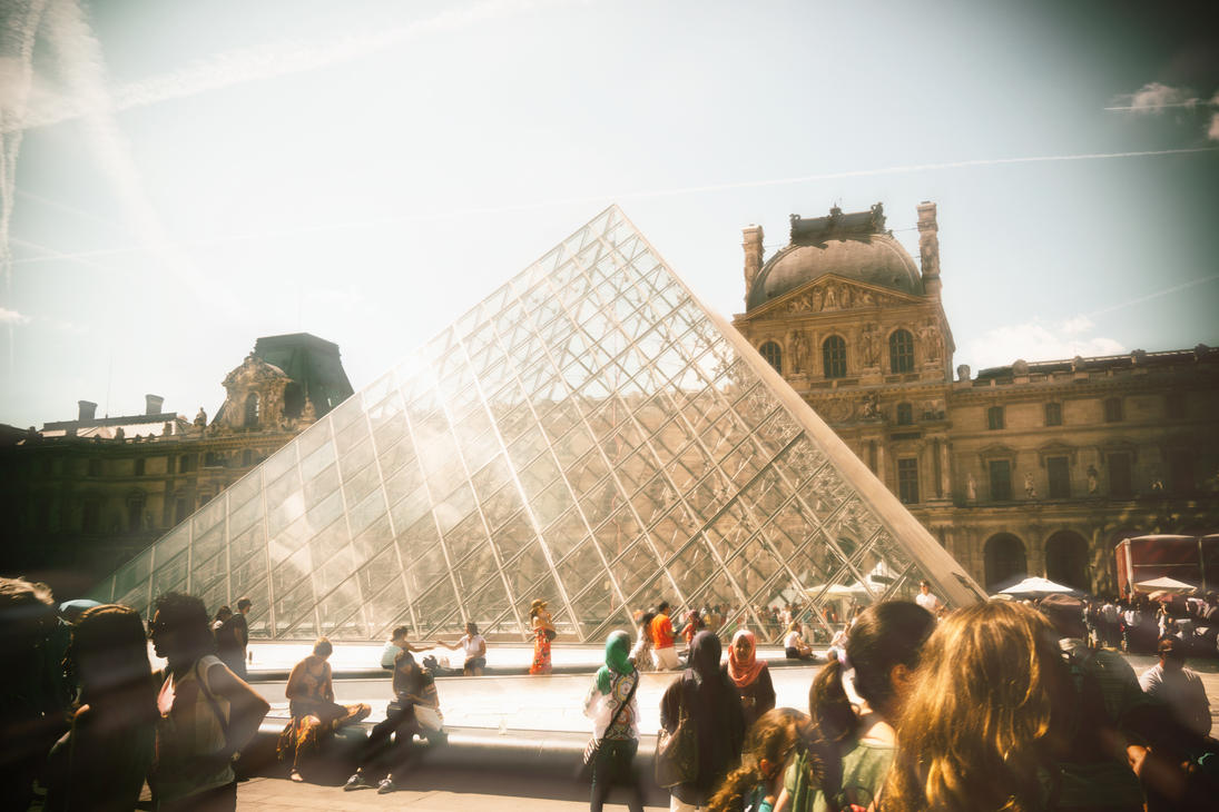 Le Louvre - HD by KoraxSciurus