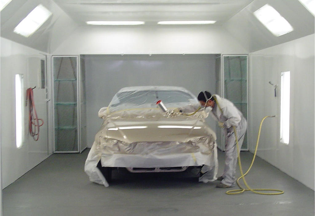 Saskatoon Motor Products Body Shop understands that getting into a collision is an emotional time. Your car is an important part of your busy life and when it is removed from the equation due to a car accident your life becomes chaotic.