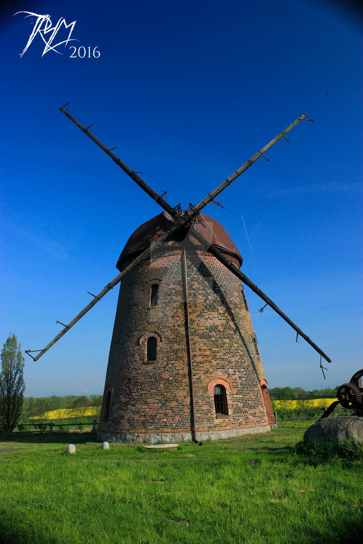 Windmill by SpiralNoose