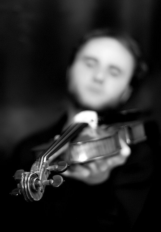 violinist III by dinemiz
