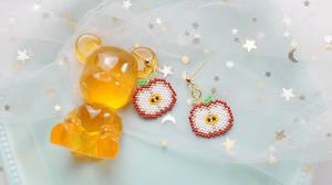 Beebeecraft apple earrings