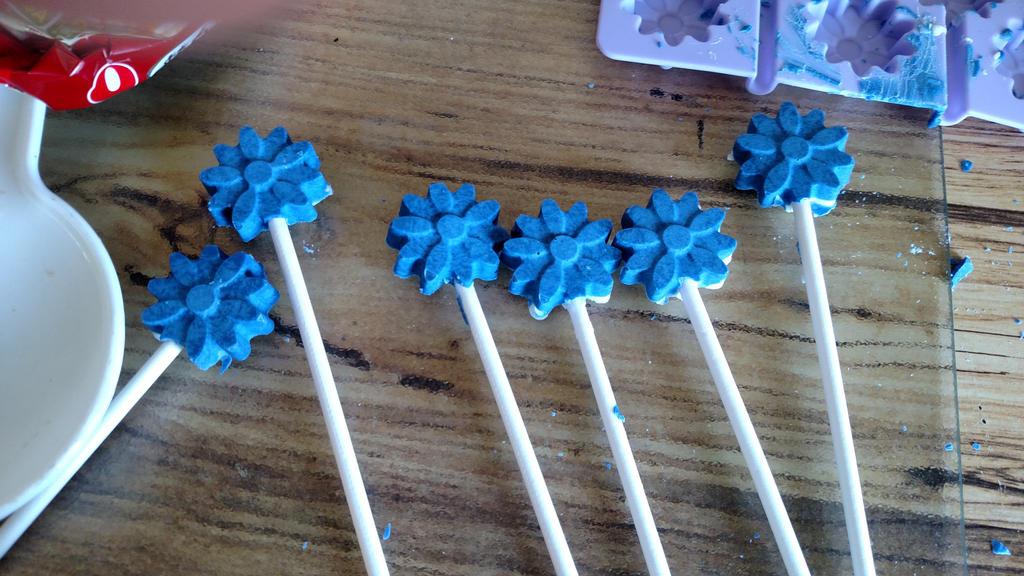 Easter Lollipops by LittleKunai
