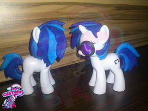 Vinyl Scratch 2 custom by angel99percent