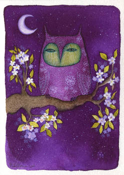 Owl and white flowers