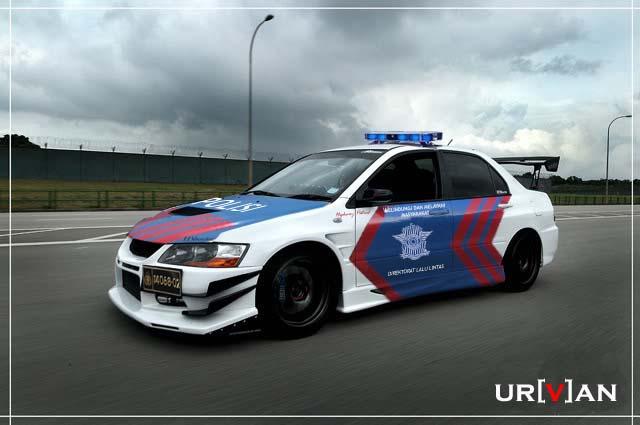 Semakin Tahu: Mobil Polisi Terkeren Di Dunia