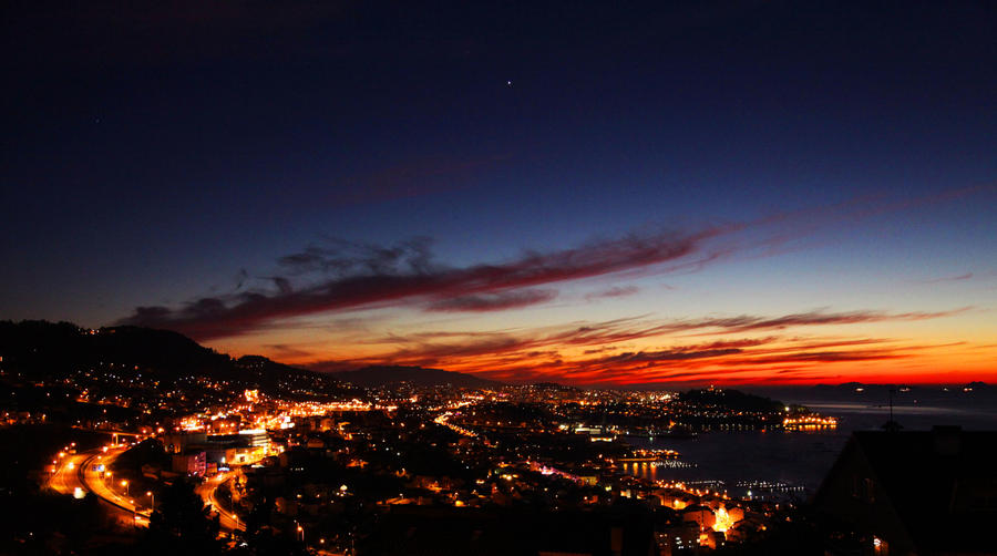 Beautiful night by rebloest