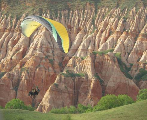 Paragliding in Romania