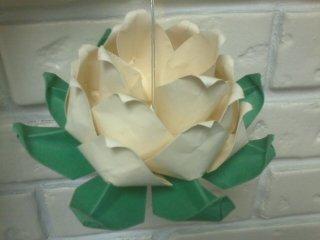 origami lotus ornament by pandaraoke