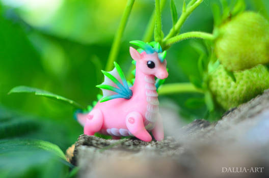 Ball-jointed dragon - pink, blue, green