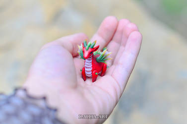 Ball-jointed dragon - red, green, yellow #2