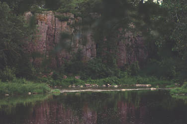 Cliffs of Split Rock Creek by Alteru