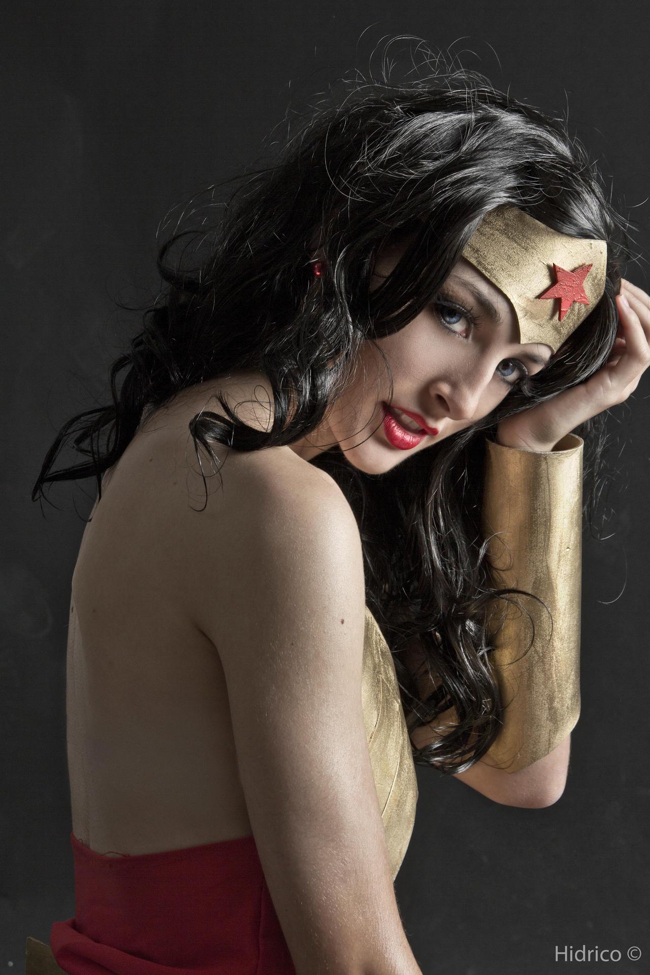 Wonder Woman - Portrait 2 by Hidrico