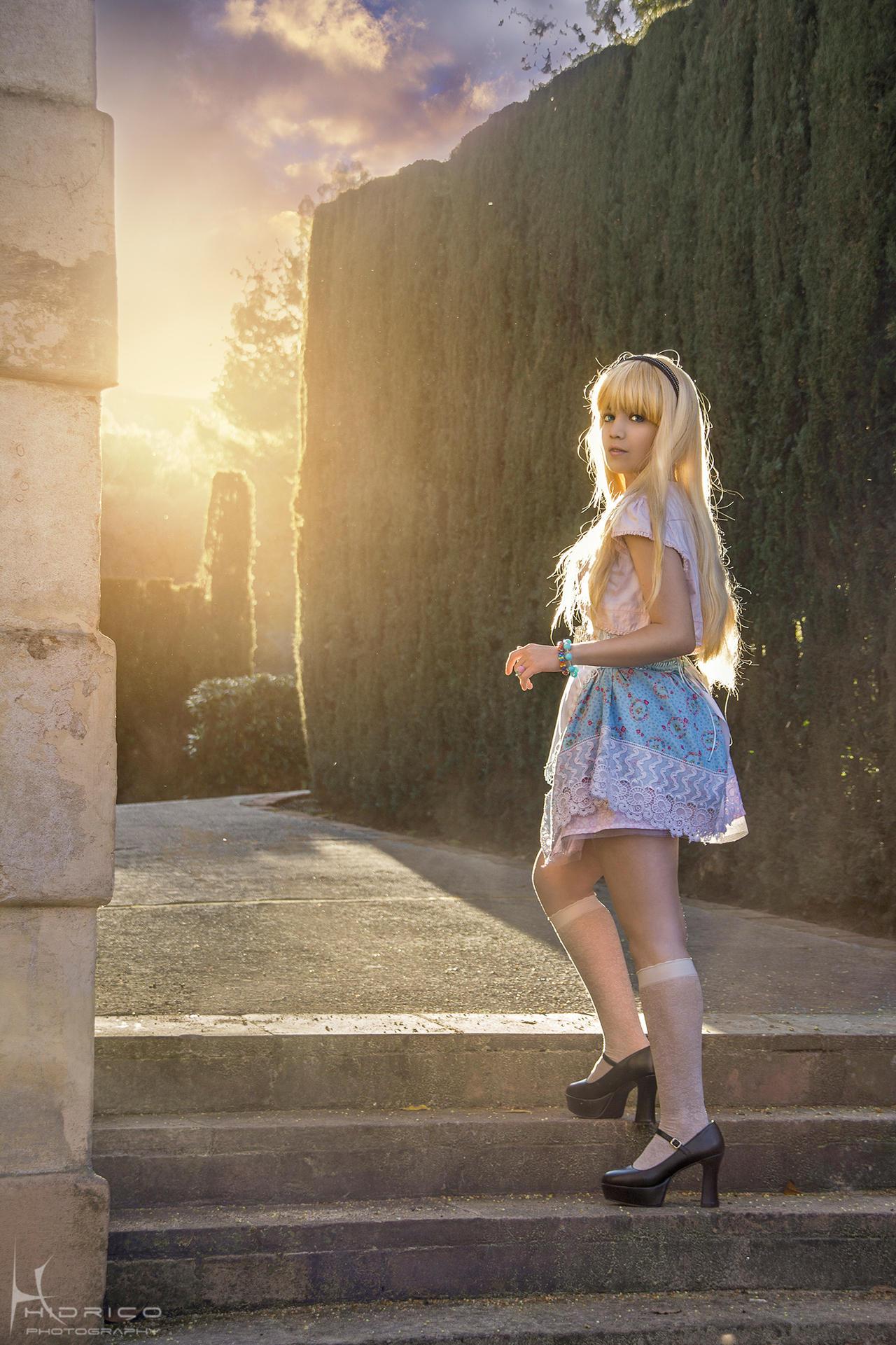 Alice in Wonderland by Hidrico