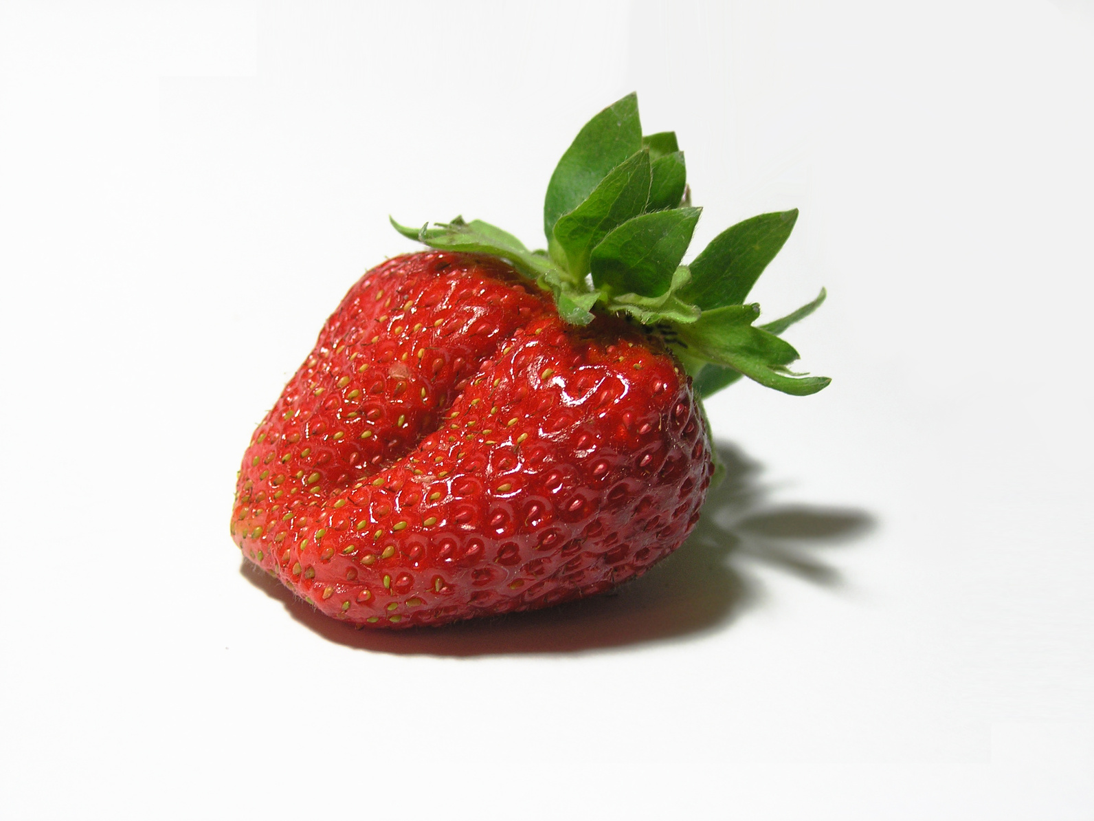 Isolated Strawberry 384760
