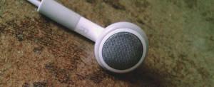 iPod_headphone_R