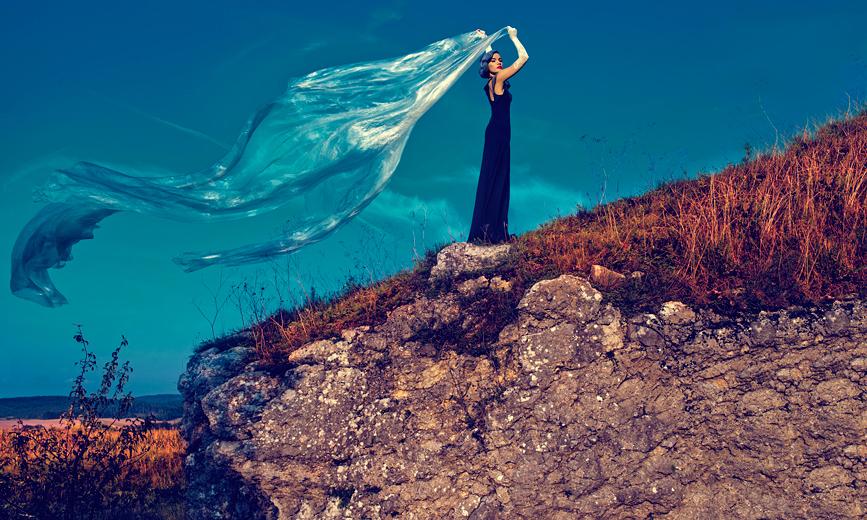 FLY IN BLUE SKY by simsalabima