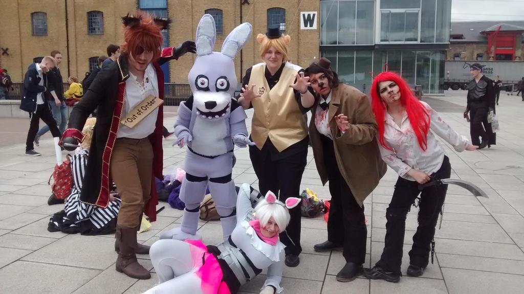 London MCM Comic Con 2015 - FNAF Cosplayers by Vande-Bot