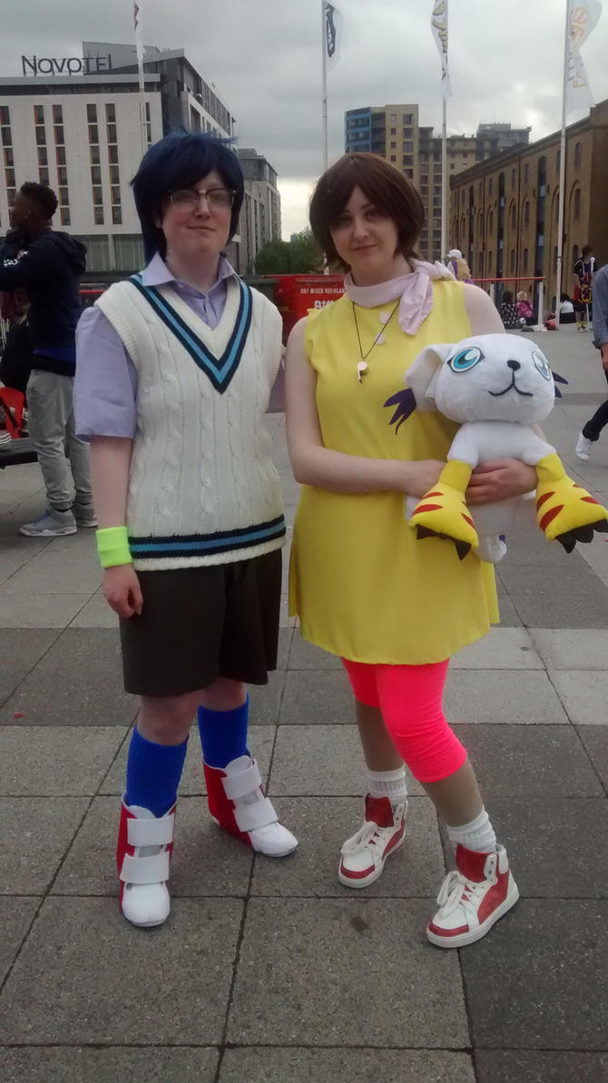 London MCM Comic Con 2015 - Digimon Cosplayers by Vande-Bot