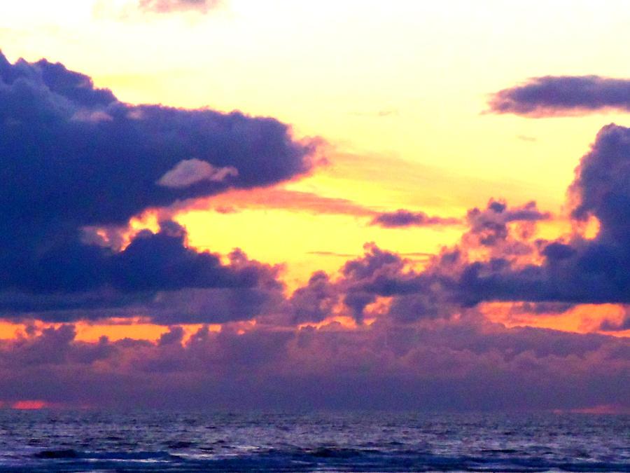 Colored Sky by Daemonium-Venatrix